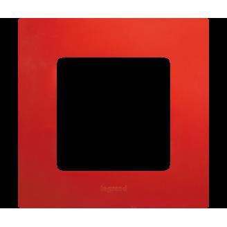 Legrand Etika Красная Рамка 1-ая